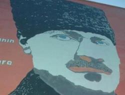 Bu ne biçim Atatürk portresi