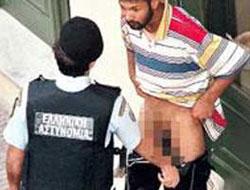 Polis göçmeni yol ortasında soydu