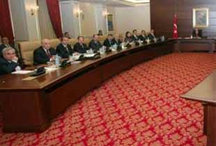 Erdoğanın kabinesi parçalanıyor