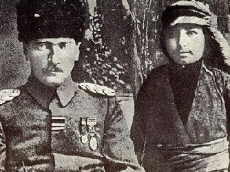 Atatürkün torunundan şok iddia