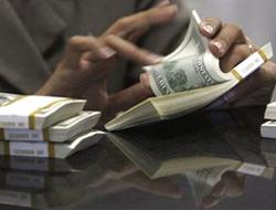 Dolar fırladı borsa dipte