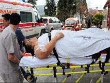 Otomobil, tırla çarpıştı: 5 yaralı