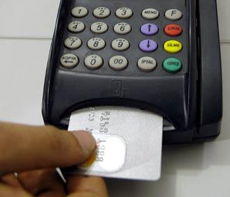 MERKEZ BANKASI UYARIYOR: BÜYÜME DÜŞECEK KREDİ KARTLARI CAN YAKACAK!