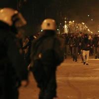 Yunan polisi 16 yaşındaki genci vurdu