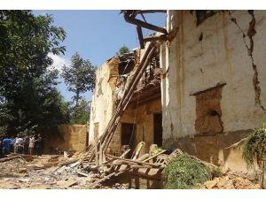Çinde 5,9 büyüklüğünde deprem