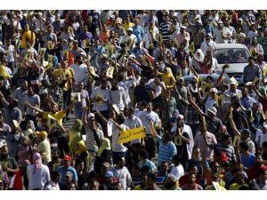 Mısırda darbe karşıtı gösterilerde 8 kişi hayatını kaybetti