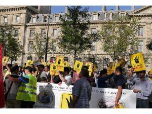Pariste Mursi'ye destek gösterisi