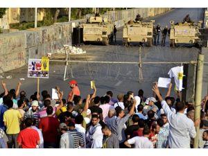 Mısırda darbe karşıtları hakim karşısında