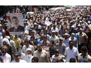"Mısırda ""askeri mahkeme"" protestosu"
