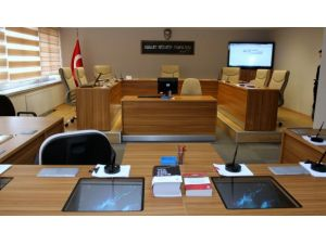 Başörtüsü kararına uymayan 2 hakime soruşturma