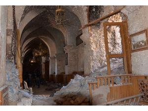 Suriyedeki saldırılar ibadet ve eğitim merkezlerini vurdu