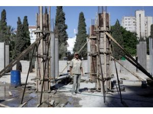 Gazzede inşaat sektörü durdu