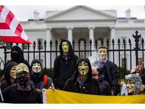 Washington'da maskeli yürüyüş