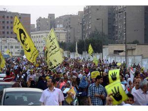 Mısırda Mursiye destek gösterileri