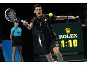 Djokovic finallere Federer galibiyetiyle başladı