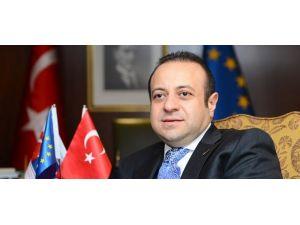 Türkiye asla kapıda bekletilecek bir ülke değil