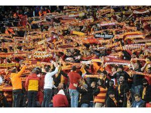 Kopenhagda 3 Galatasaray taraftarı tutuklandı