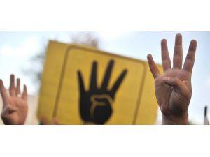 """Mısırlı sporculara """"Rabia"""" işareti yasak"""