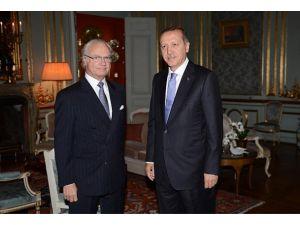 Erdoğan İsveç Kralı Carl 16. Gustaf ile bir araya geldi