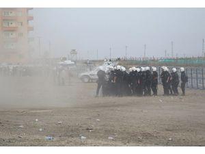 """Nusaybinde """"güvenlik duvarı"""" protestosu"""