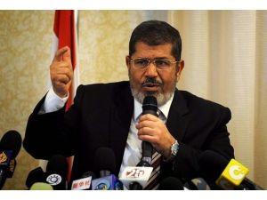 Mursi savunma heyetiyle görüşecek