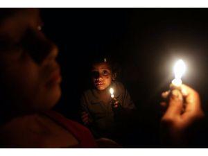 Gazze karanlık bir tünel içinde
