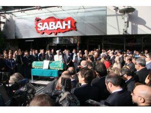 Savaş Ay için Sabah gazetesi önünde tören düzenlendi
