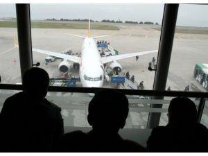 """Hava ulaşımının """"parlayan yıldızı"""" Türkiye"""