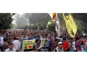 Mısırda darbe karşıtı gösteriler sürüyor