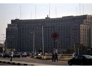 Mısırda 15 bin kişi grevde