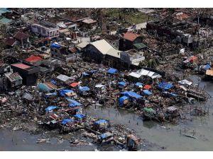 Haiyan tayfununda ölü sayısı bin 833e yükseldi