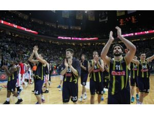 Fenerbahçe Ülker 5te 5 peşinde