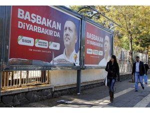 Diyarbakır Başbakan Erdoğanı karşılamaya hazırlanıyor