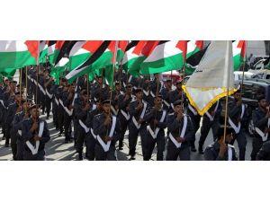 """Gazzede """"Özgürlük yürüyüşü"""""""