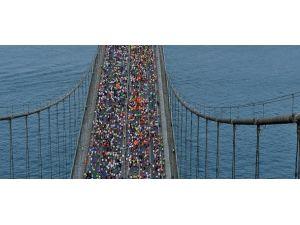 Maratoncular bu kez köprüyü yürüyerek geçecek