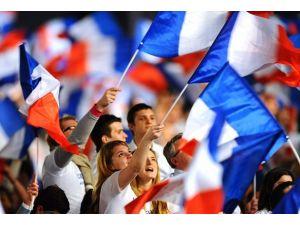 Fransızlar erken genel seçim istiyor