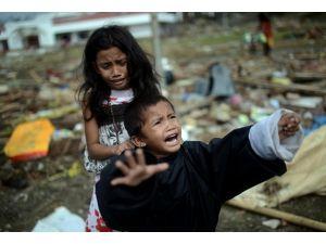 Filipinler afetin etkilerinden kurtulmaya çalışıyor