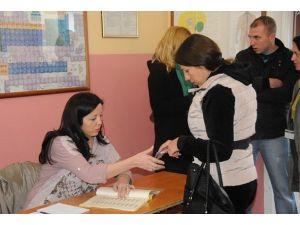 Mitrovitsada oy verme işlemi tamamlandı