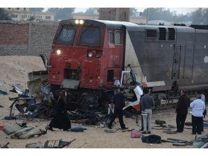 Mısırda hemzemin geçitte kaza: 24 ölü, 28 yaralı