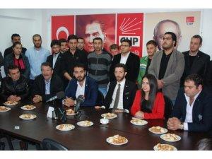 CHPli gençler: Üstünün yanındayız