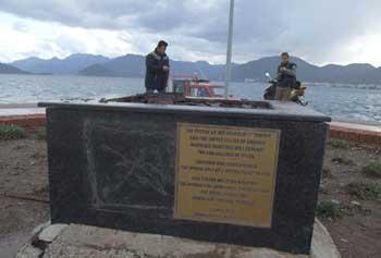Marmaris'te Amerikalı astronot heykeli kayboldu