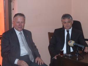"""İzzet Ünsal: """"Demokratik bir yarış"""""""