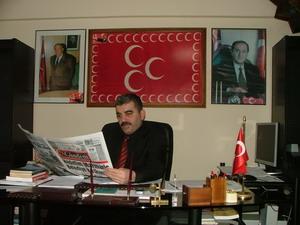 MHP Marmaris İlçe Başkanı Gürbüz Gürcoşkun, AKP İlçe Başkanı Kadem Mete'yi kınadı.