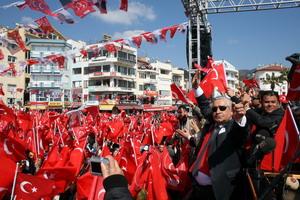 Özdemir'in ayak sesleri
