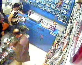 Kontör hırsızı diskoda yakalandı