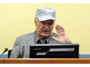 """""""Bosna kasabı"""" Mladiç tanık olarak dinlendi"""