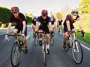 Bisikletçiler  Marmaristen Geçti