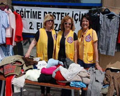 2. El kıyafetler eğitim için satılıyor