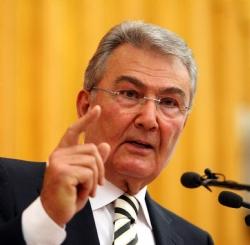 Baykal, Adalet Bakanı Mehmet Ali Şahinin İstifasını İstedi