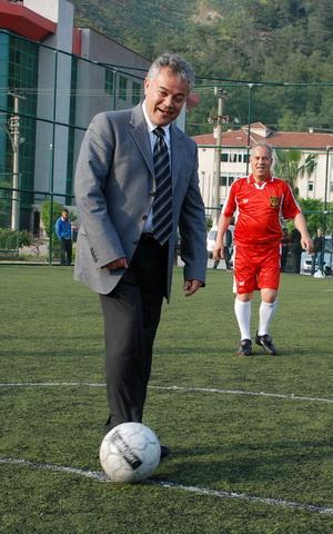 Akademik futbol turnuvası